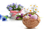 Basket of easter eggs — Stok fotoğraf