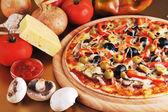 Fresh baked pizza — Stock Photo