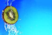 Slice of kiwi — Stock Photo