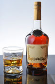 Whisky in  glass — Stock Photo