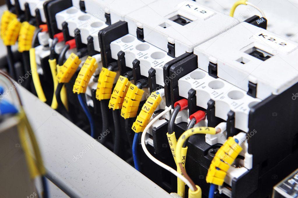 汽车电子与电气设备--abs防抱死制动系统