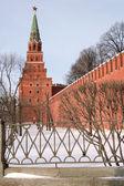 Borovickaja věž z moskevského Kremlu boční pohled — Stock fotografie