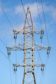 High-voltage power line metal tower with wires vertical view — Stock Photo