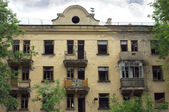 Abandoned uninhabited house before renovation front view — Foto Stock
