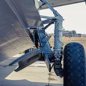 Airplane landing gear — Stock Photo