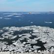 Ice in the sea, Pacific ocean, melting ice — Stock Photo
