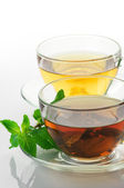 Black and green tea — Stock Photo