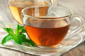 Black and green tea — Stock Photo