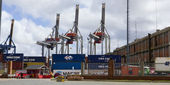 Containers and cranes in the port of Montevideo — Stock Photo