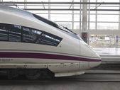 Tren de alta velocidad en la estación de atocha — Foto de Stock