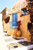 Traditional old house on Santorini island, Greece — Stock Photo
