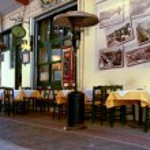 Beautiful Greek traditional restaurant at Thessaloniki city — Stock Photo
