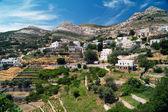 ナクソス島、ギリシャの伝統的な村の全景 — ストック写真