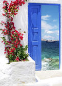 Traditional greek door on Mykonos island, Greece — Stock Photo