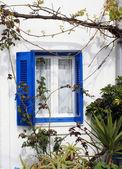 Traditional architecture of Oia village on Santorini island — Stock Photo