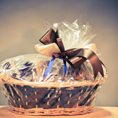 Vintage gift basket — Stock Photo