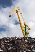 Scrap metal loading — Stock Photo