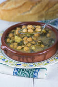 Stew of chickpeas and spinach — Stock Photo
