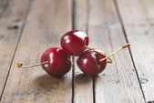 Fresh cherries on the table — Stock fotografie