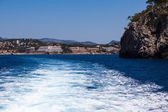 The waves from a high-speed boat. waterway. Sea Travel — Stok fotoğraf