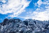 Mooie winterlandschap in de bergen. berggebied in de alpen — Stockfoto