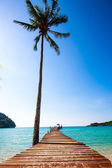 Tropical Resort. boardwalk on beach — Stock Photo