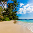 Tropical beach in Thailand. — Stock Photo