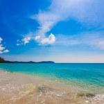 Tropical beach in Thailand. — Stock Photo #39126237