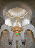 Luxurious lustre in the mosque — Stock Photo