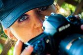 Natur fotograf nimmt bilder — Stockfoto