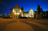 Street and plaza in Poznan by night — Stock Photo