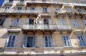 Facciata del palazzo in stile veneziano a corfù — Foto Stock