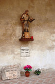 Statue of Saint Francis of Assisi in Mantua — Stock Photo