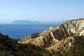 Costa con rocas en la isla zakynthos — Foto de Stock