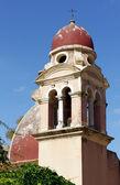 Torretta di chiesa bizantina nella città di corfù — Foto Stock
