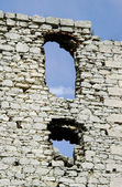 Windows in ruined medieval castle in Ogrodzieniec — Stock Photo