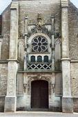 Portale e porta alla chiesa medievale nella champagne — Foto Stock