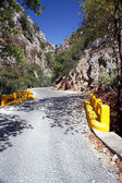 La strada che attraversa la gola Venizèlos — Foto Stock