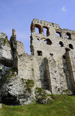 The walls of the ruined castle — Stock Photo