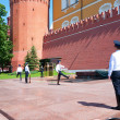 Eternal fire guards changing in Moscow, Russia — Stock Photo #34380095