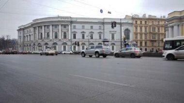 Nevsky Prospect traffic — Stock Video