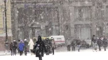 Snow on Nevsky Prospekt — Stock Video