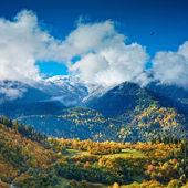 Hösten i de höga bergen — Stockfoto