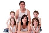 Grote familie in wit — Stockfoto