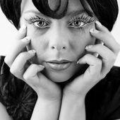 ブロンドの女の子のスタイリッシュな肖像画 — ストック写真
