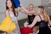 Pyjama party ends up in a pillow fight — Stock Photo