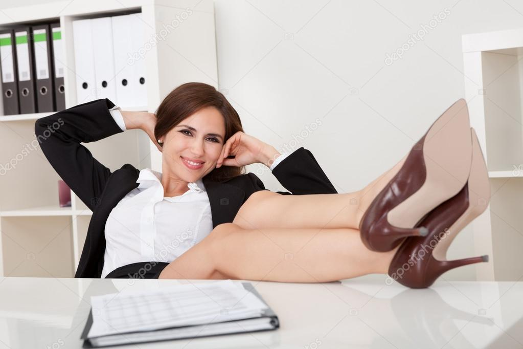 Lewd business lady Blake Rose gets shagged at her office desk  799692