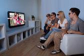 家族の 3 d テレビを見て — ストック写真