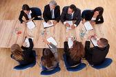 En una reunión de negocios — Foto de Stock