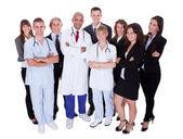 Grupo de personal hospitalario — Foto de Stock
